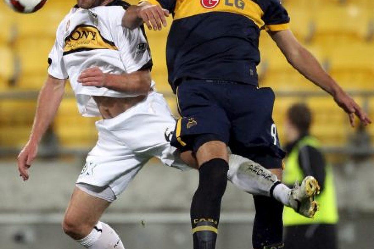 Lucas Viatri: El delantero estuvo en prisión por un mes en 2008, debido a que robó con arma en mano una peluquería de Buenos Aires. Junto a varios compañeros, escapó con cinco mil dólares y productos importados. Foto:Getty Images. Imagen Por: