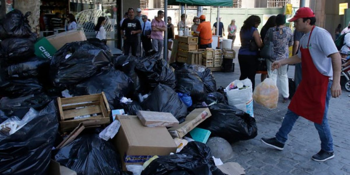 Diputados presentan recurso contra ministra de Salud por acumulación de basura en calles del país