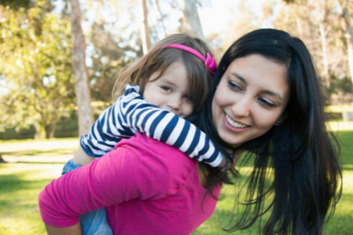 Las madres respondieron a Unicef que desearían pasar más tiempo con sus hijos al aire libre, pero no lo hacen por motivos laborales y de seguridad en espacios públicos. Foto:Getty. Imagen Por: