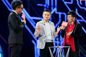 Jack Ma haciendo un truco de magia Foto:AP. Imagen Por: