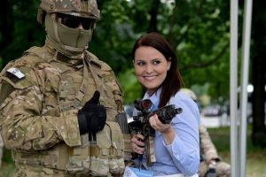 El objetivo es enseñar defensa personal a mujeres Foto:Ministerio de Defensa de Polonia. Imagen Por: