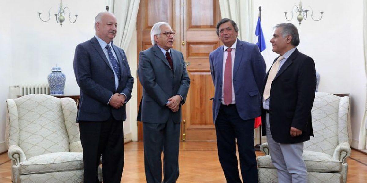 Teillier  tras reunión con ministro Fernández por reajuste:
