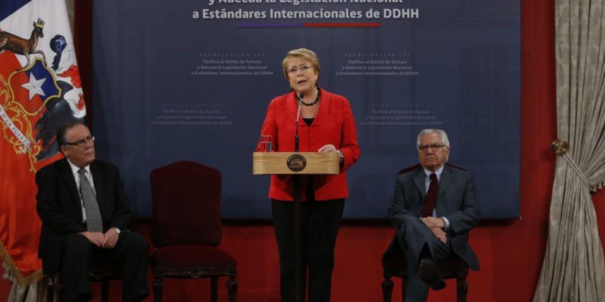 El gesto de Bachelet al Partido Comunista en medio de tensiones con la Nueva Mayoría