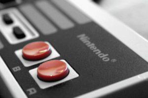 NES Classic mini, posee un control identico al de la consola original, con la única diferencia de que el cable es más corto Foto:Nintendo. Imagen Por:
