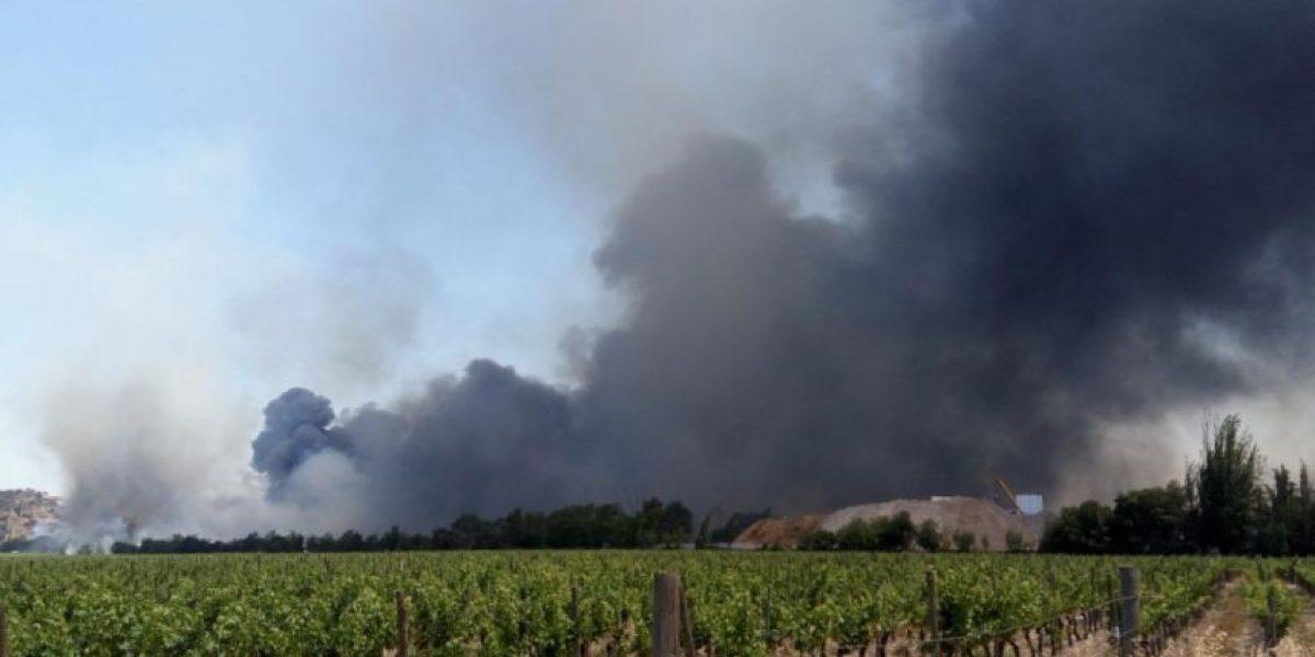 Alerta roja en San Bernardo: incendio moviliza a Bomberos y genera cortes de luz en varios puntos de Santiago