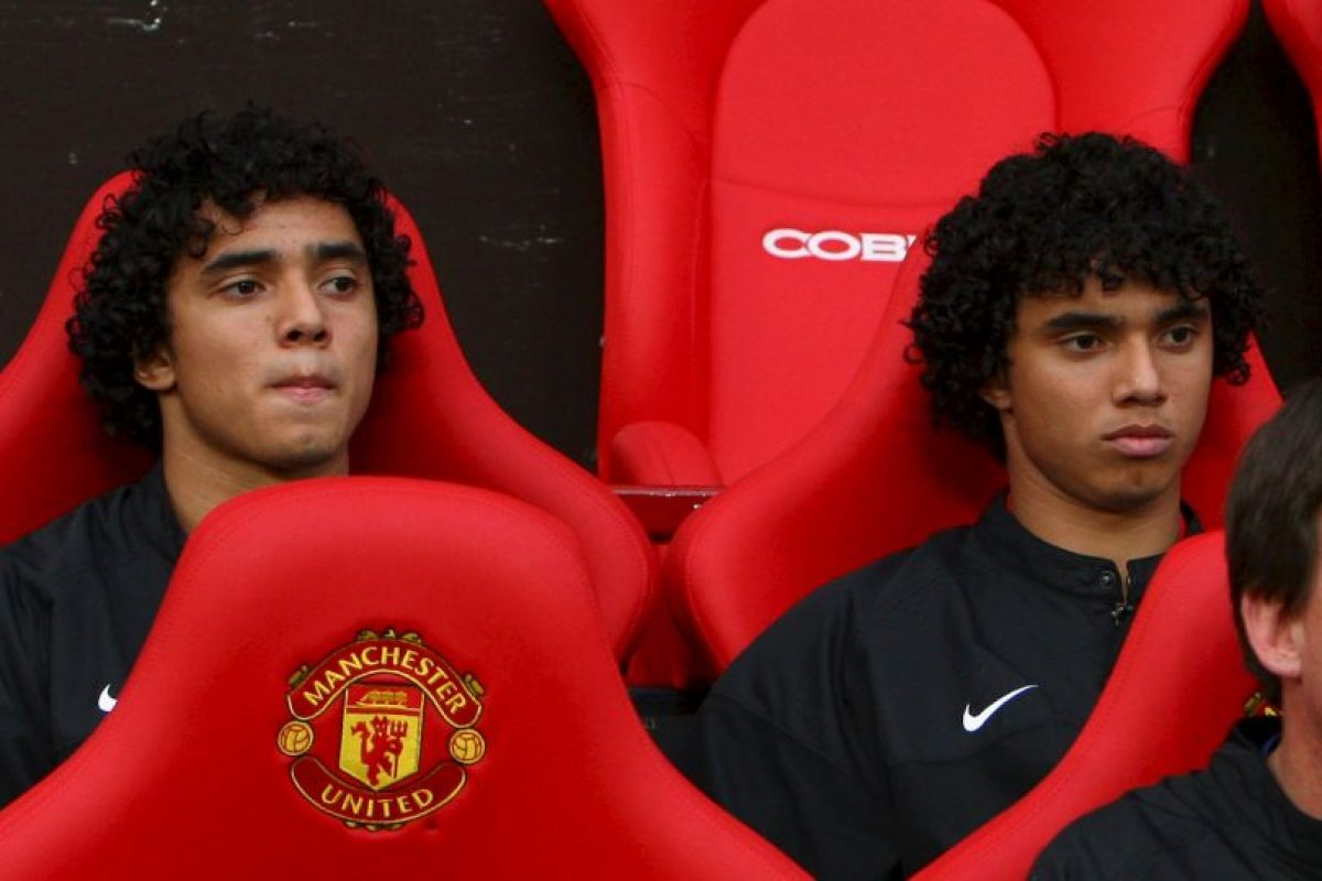 Rafael y Fabio Da Silva: Llegaron juntos a Manchester United en 2008, pero Rafael se mantuvo más tiempo y se quedó hasta 2015, mientras que Fabio se fue en 2013. Ahora, militan en Olympique de Lyon y Middlesbrough, respectivamente. Foto:Getty Images. Imagen Por: