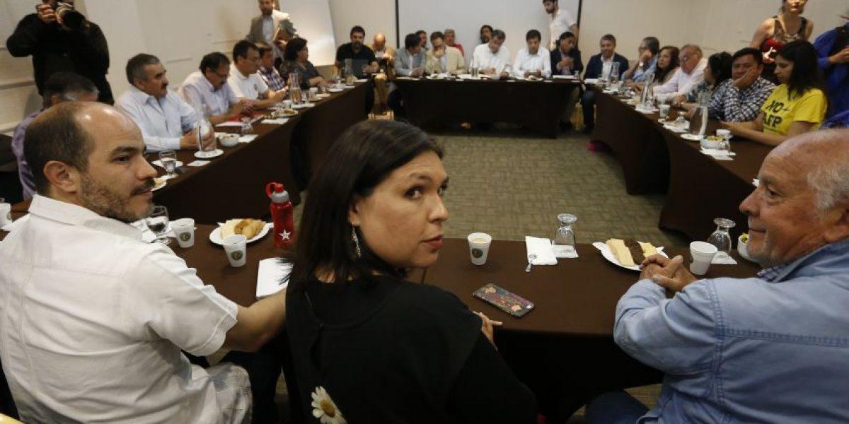 Gobierno y sector público se encuentran reunidos para destrabar conflicto por reajuste