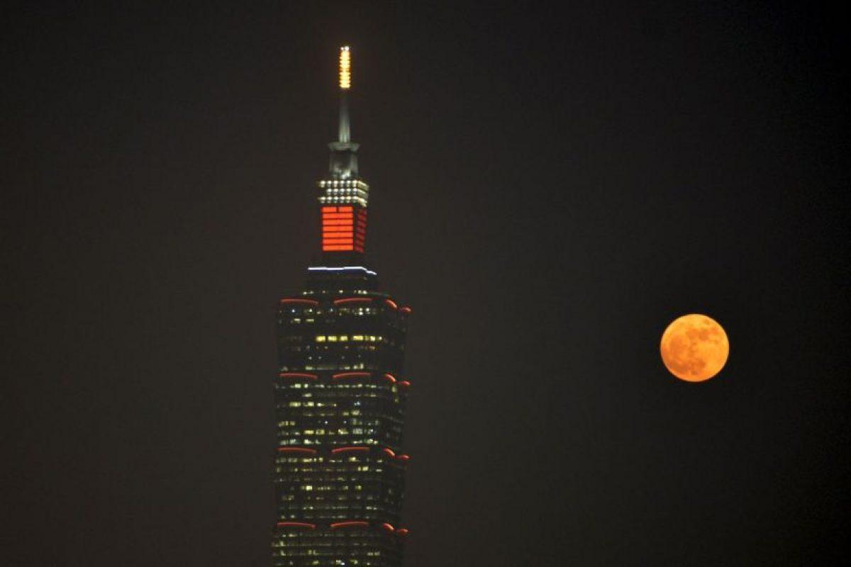 En Taipei, China, en el edificio Taipei 101 Foto:AFP. Imagen Por: