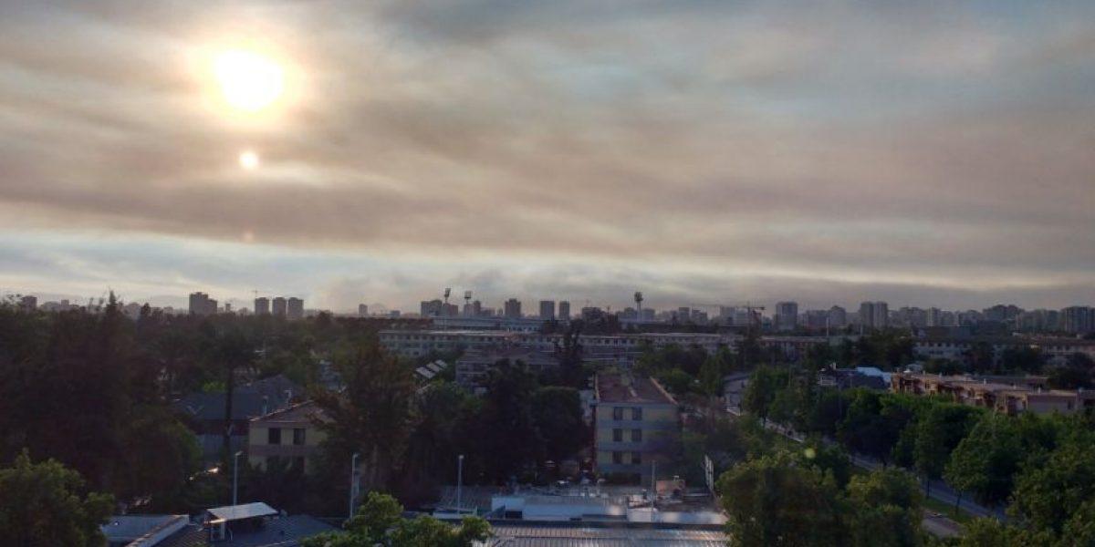 Incendio en Rinconada de Maipú genera gran nube de humo