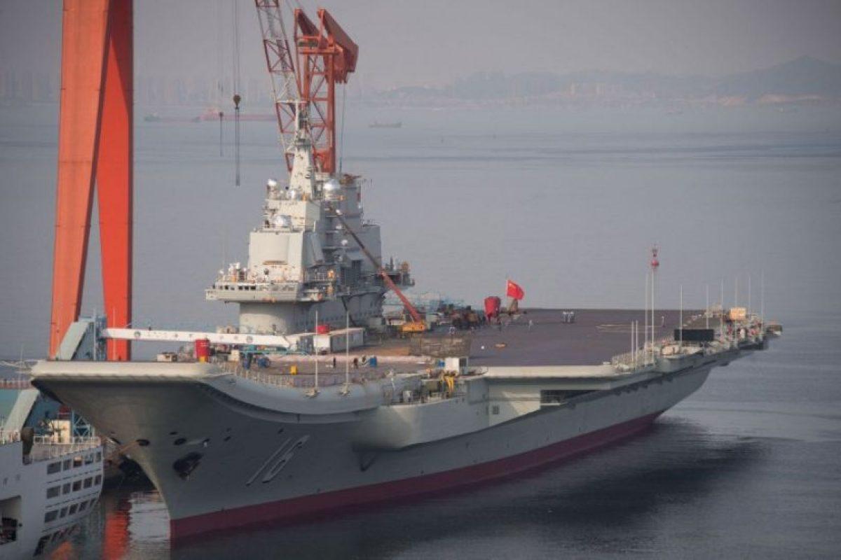 El portaaviones chino Liaoning en 2014, en pleno proceso de modernización. Foto:CHINA-JAPAN-US-MARITIME-DEFENCE, FOCUS BY SEBASTIEN BLANC. Imagen Por: