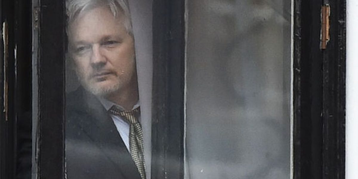 Termina en Londres el interrogatorio de Assange por una denuncia de violación