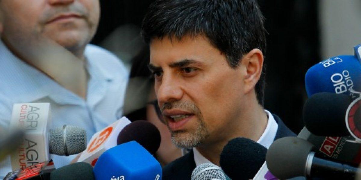 Ministro Díaz dijo que el Gobierno trabaja para resolver conflicto del reajuste