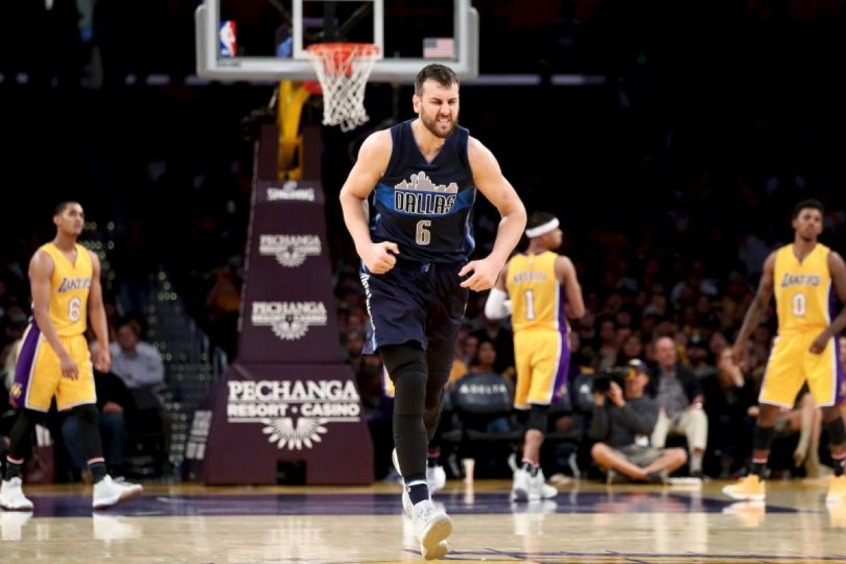 8.- Dallas Mavericks (NBA) – 7,270,951 millones de dólares de sueldo anual en promedio Foto:Getty Images. Imagen Por: