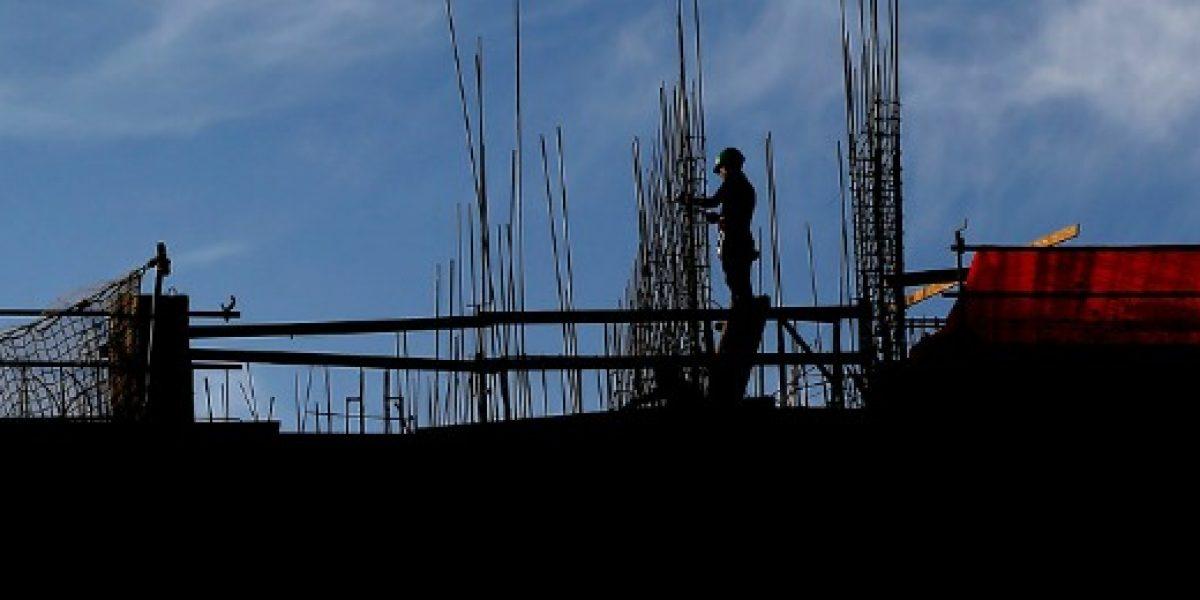 Sernac presenta demanda colectiva contra inmobiliaria por cláusulas abusivas