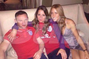Wayne Rooney fue captado en una boda completamente borracho Foto:The Sun. Imagen Por: