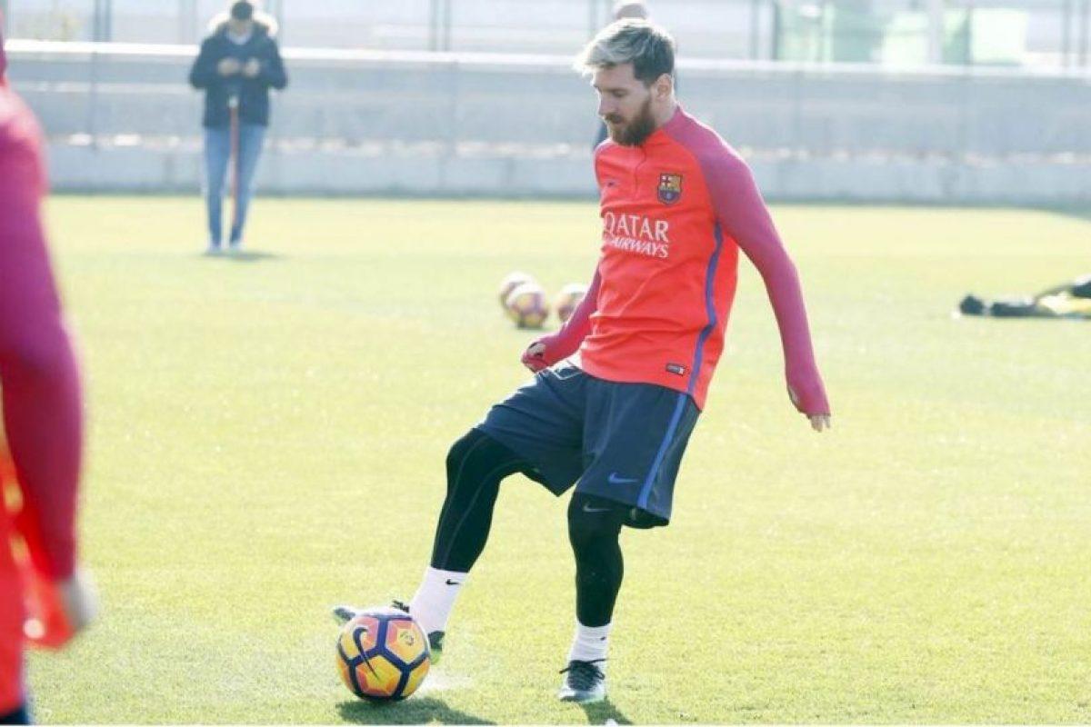 PSG le facilitó el avión a Lionel Messi y Mascherano para volver a Barcelona. Imagen Por: