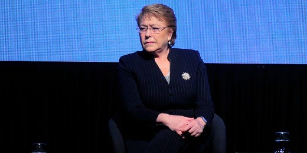 Presidenta Bachelet llamó a los trabajadores públicos a deponer paralización