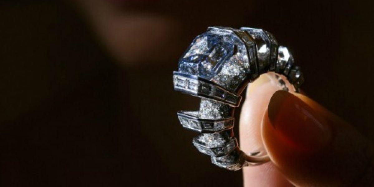 Diamante azul fue vendido en US$17 millones en subasta en Ginebra