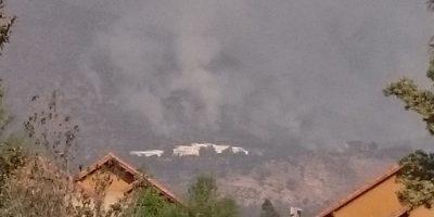 Incendio en Peñalolén obliga evacuar Universidad Adolfo Ibáñez