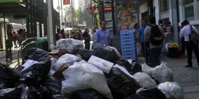 Santiago trabajará hasta el domingo para recoger las 1.300 toneladas extra de basura que dejó el paro