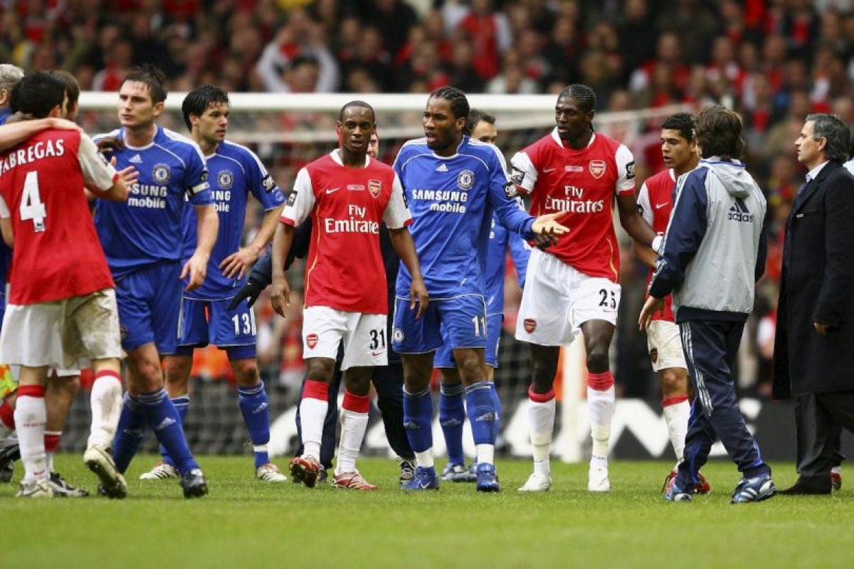 Mourinho no dejó pasar su conferencia de prensa y le mandó un recado a Arsene Wenger. Imagen Por: