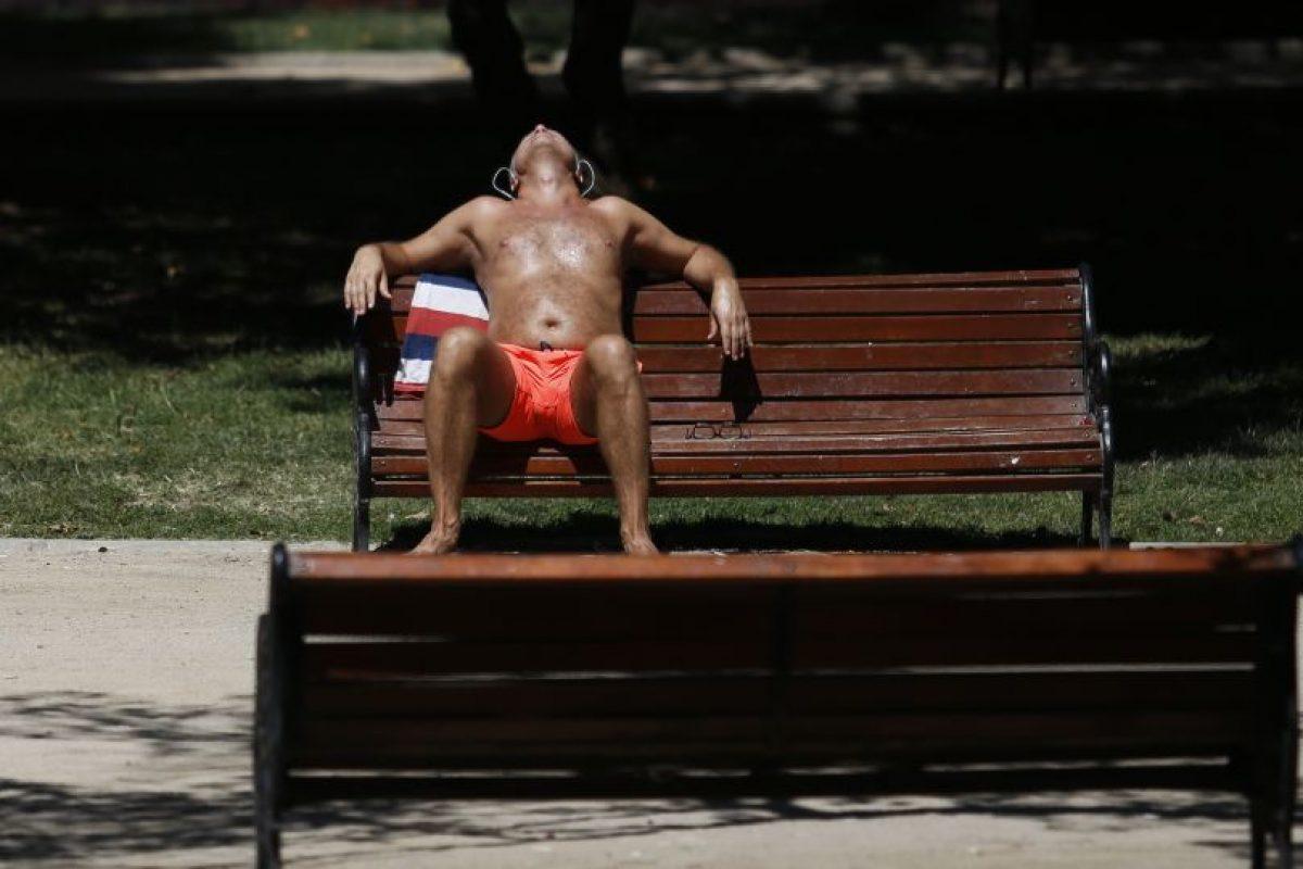 """El Instituto de Salud Pública (ISP) realizó un llamado a tener claro que """"los daños causados por la radiación solar son acumulativos, y los potenciales daños van desde quemaduras hasta envejecimiento prematuro y cáncer a la piel"""". Foto:Agencia UNO. Imagen Por:"""