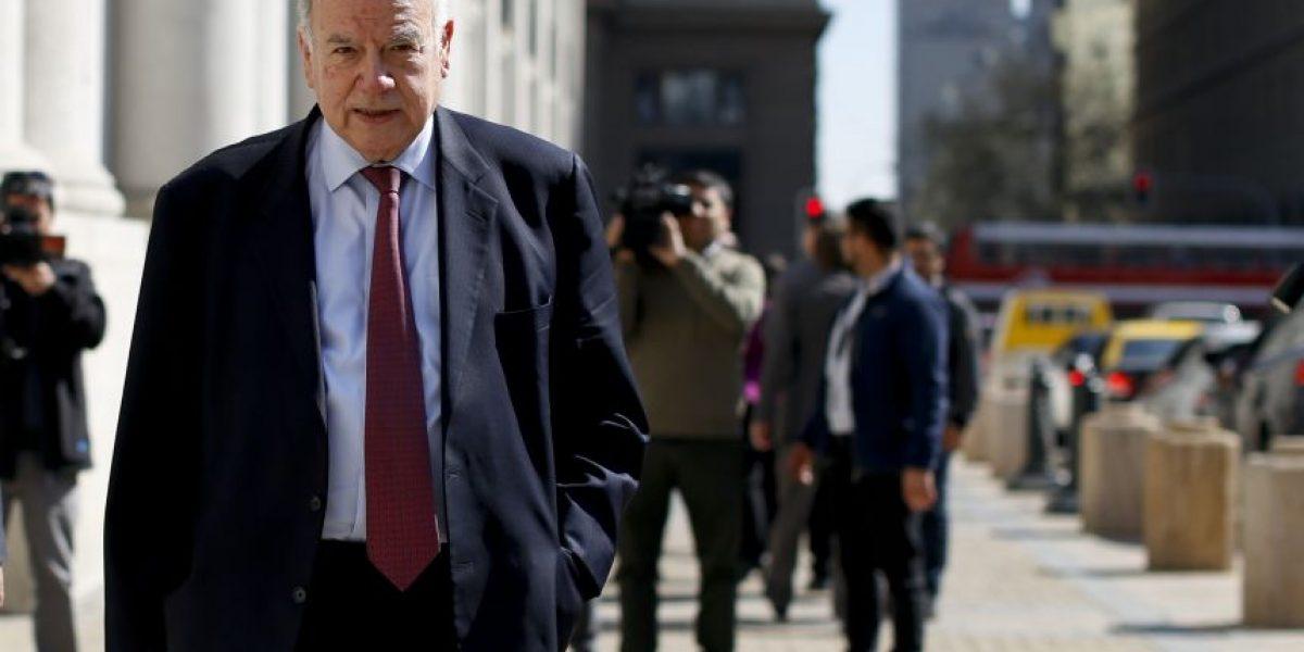 Insulza dejaría cargo de agente en La Haya para asumir carrera presidencial