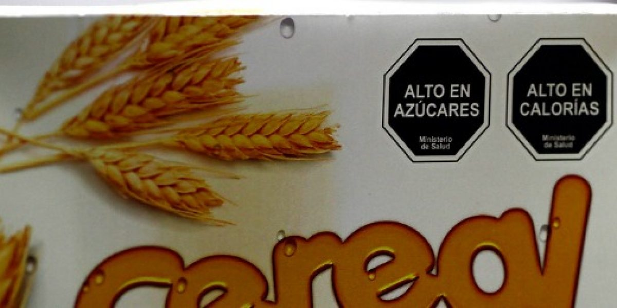 Sernac denuncia a tres empresas por no cumplir ley de etiquetado