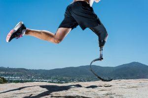 Dada la complejidad de la la bioingeniería humana, hoy existen prótesis diseñadas para deportes y otras para movimiento cotidiano. Foto:Getty. Imagen Por: