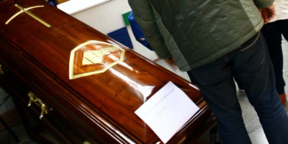 Particular oferta de Black Friday: funeraria rebaja precios de ataúdes a la mitad