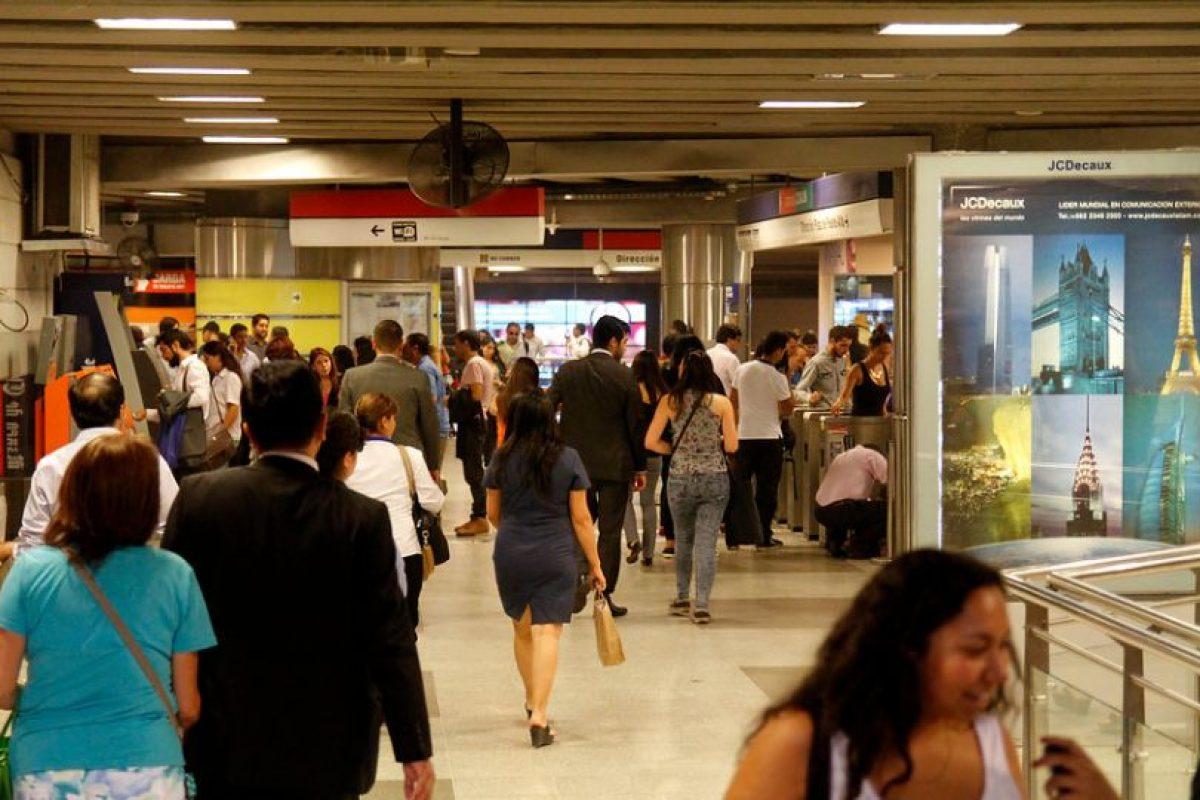 Pero ¿por qué estación Tobalaba huele de manera tan insoportable?, Metro de Santiago aseguró a Publimetro, que la razón de este problema es externo a la empresa. Foto:Aton. Imagen Por: