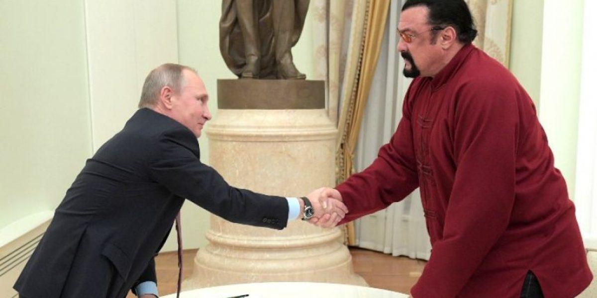 ¿Por qué Vladimir Putin recibió en el Kremlin a Steven Seagal?