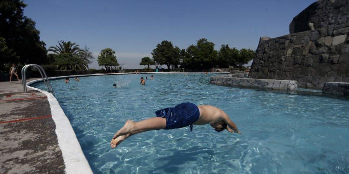 Autoridades dan el vamos a la temporada de piscinas 2016