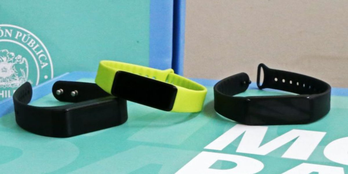 Así es la pulsera inteligente que espera controlar la obesidad en los estudiantes