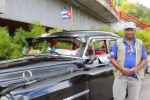 """""""Yo nací en la Revolución"""", apuntó Pochet, con orgullo, añadiendo que fue exactamente en el 62′ el año en que nació. """"De niño yo viví una infancia feliz"""", aseguró. Foto:David Cordero Mercao / Publimetro Puerto Rico. Imagen Por:"""