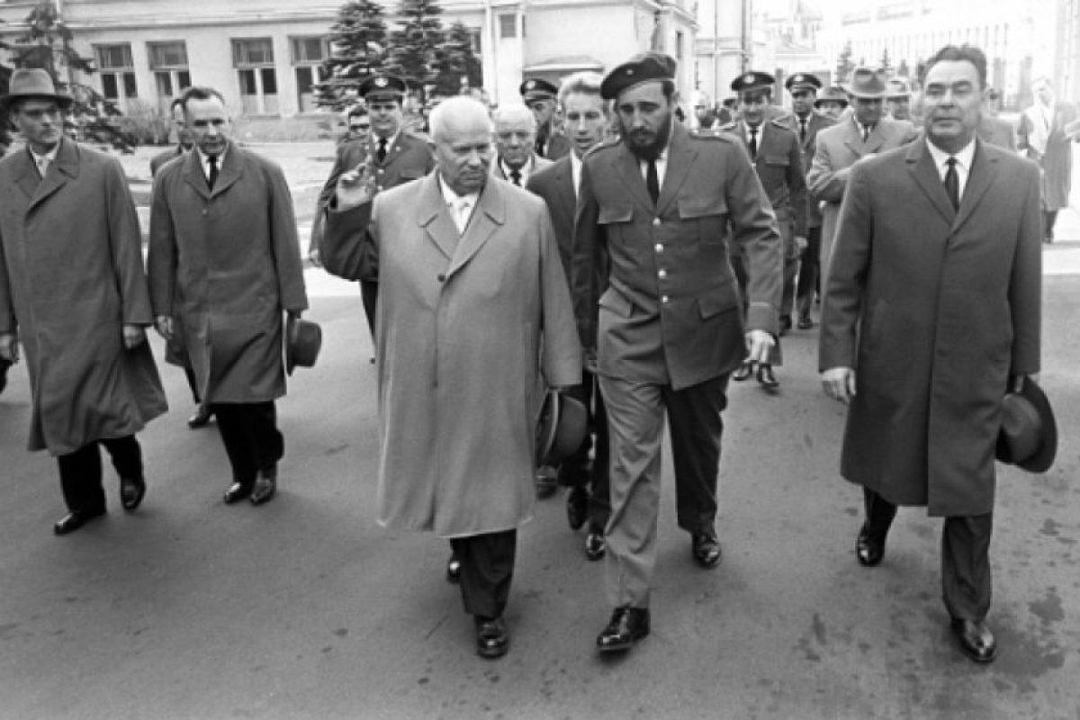 Fidel Castro y Leonidas Brezhnev, en 1964. Foto:Getty. Imagen Por: