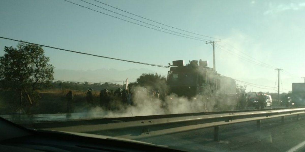 Pudahuel: vecinos realizan protesta y generan atochamiento en la Ruta 68