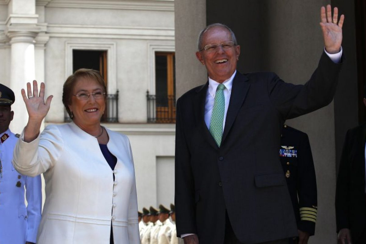 """El Presidente de Perú insistió en su voluntad de restablecer el mecanismo de diálogo bilateral con Chile, conocido como """"2+2"""", el cual contempla reuniones entre los ministros de Relaciones Exteriores y de Defensa de ambos países. Foto:Aton. Imagen Por:"""