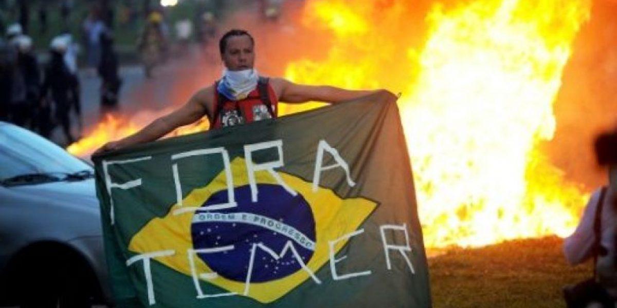 Brasil aprueba dos polémicos proyectos en un día de violentos choques