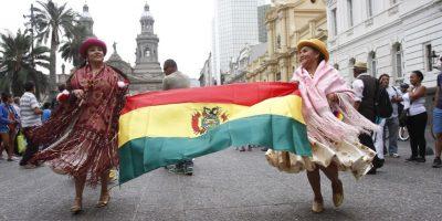 Los bolivianos son los terceros en el ranking de inmigrantes que más llegan a Chile según datos de entregas de visas del DEM. En primer lugar estarían los peruanos, seguidos de los colombianos. Foto:Agencia UNO. Imagen Por: