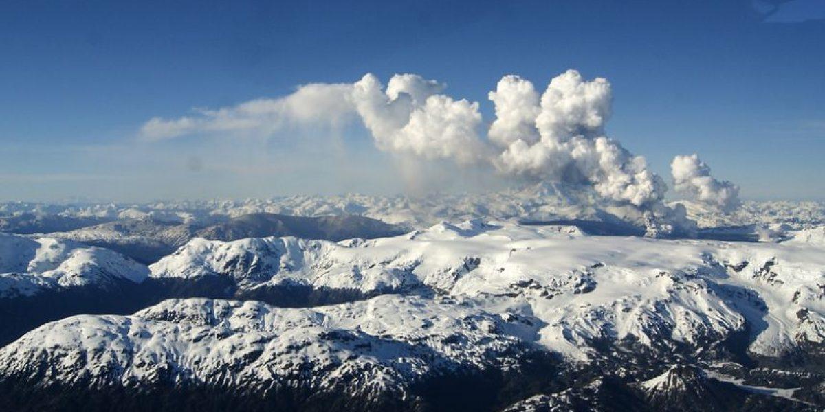 Declaran alerta amarilla en Aysén por actividad del volcán Hudson