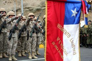 Las FFAA chilenas usan el saludo romano en el Juramento a la Bandera. Foto:Agencia Uno. Imagen Por: