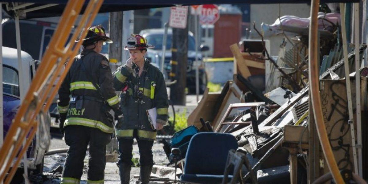 Sigue búsqueda de cuerpos tras incendio de Oakland que dejó al menos 33 muertos