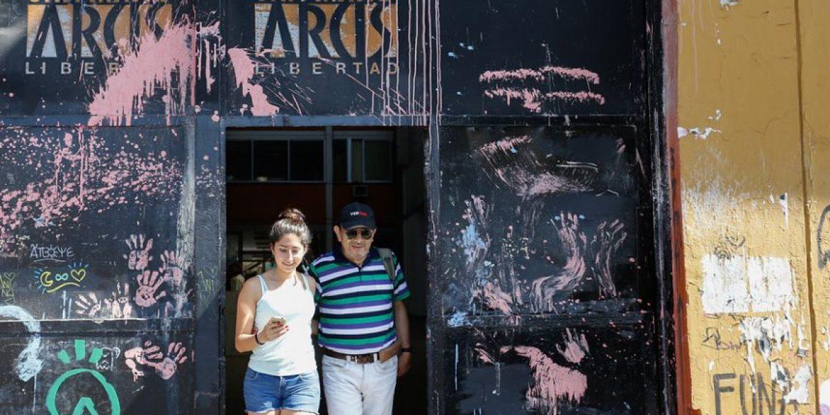 Universidad de Chile se abre a recibir alumnos de la Arcis: