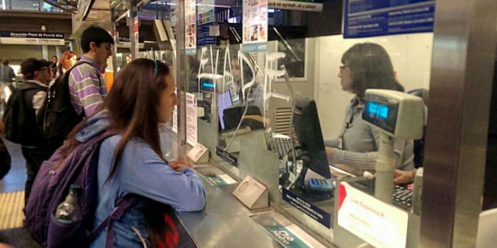 Los trabajadores de la empresa GSI, subcontratista del Metro de Santiago, paralizarán las boleterías desde la Universidad de Chile en la Línea 1 hasta los Dominicos y en la línea 4 desde Tobalaba hasta Macul. Foto:Agencia UNO. Imagen Por: