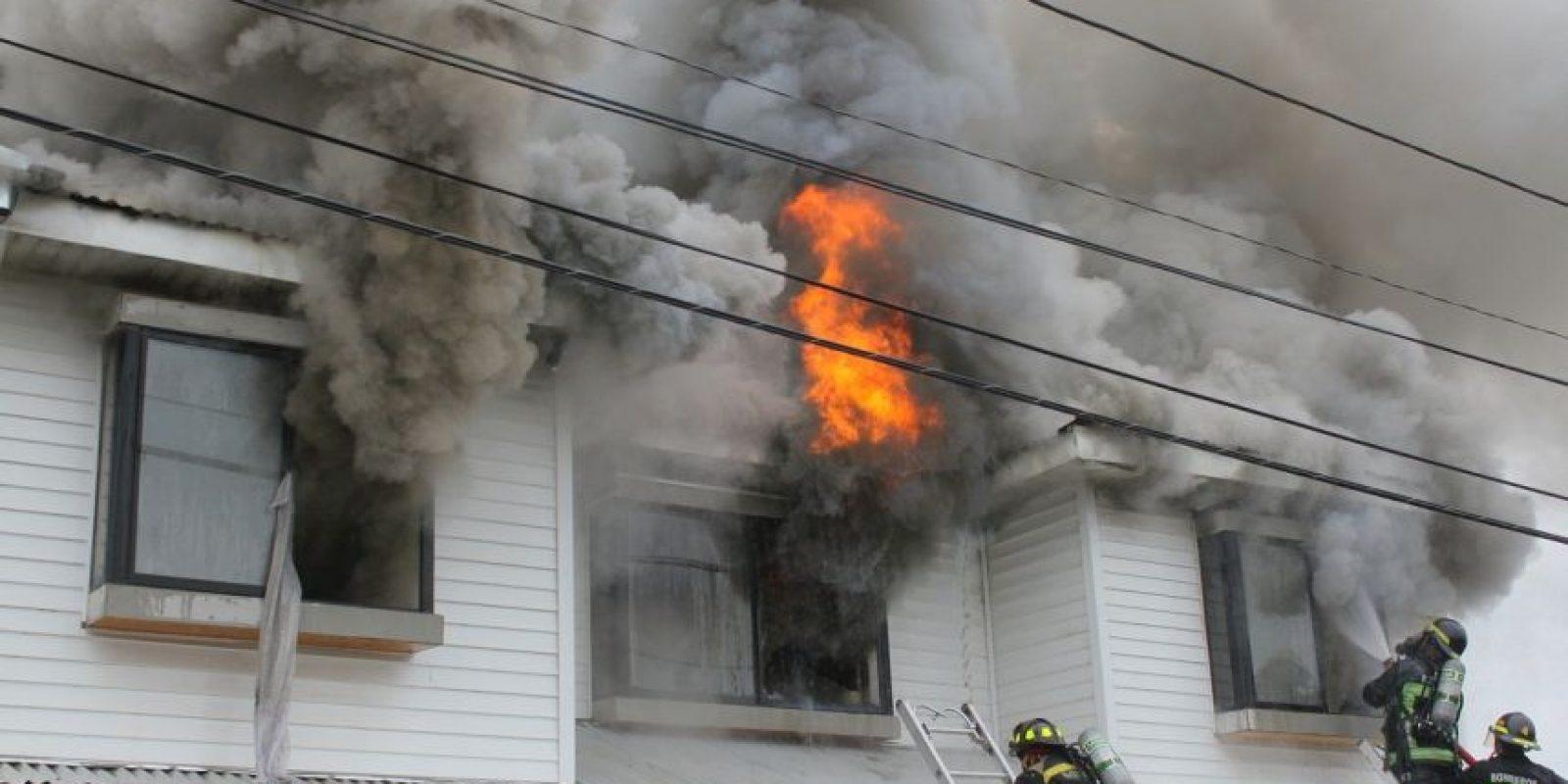 Los incendios por causa eléctrica corresponden al 35% de los incendios de Chile. Foto:Bomberos de Chile. Imagen Por: