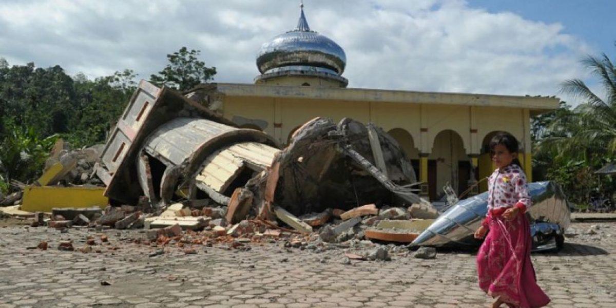 Al menos 97 muertos y centenares de heridos por terremoto en Indonesia