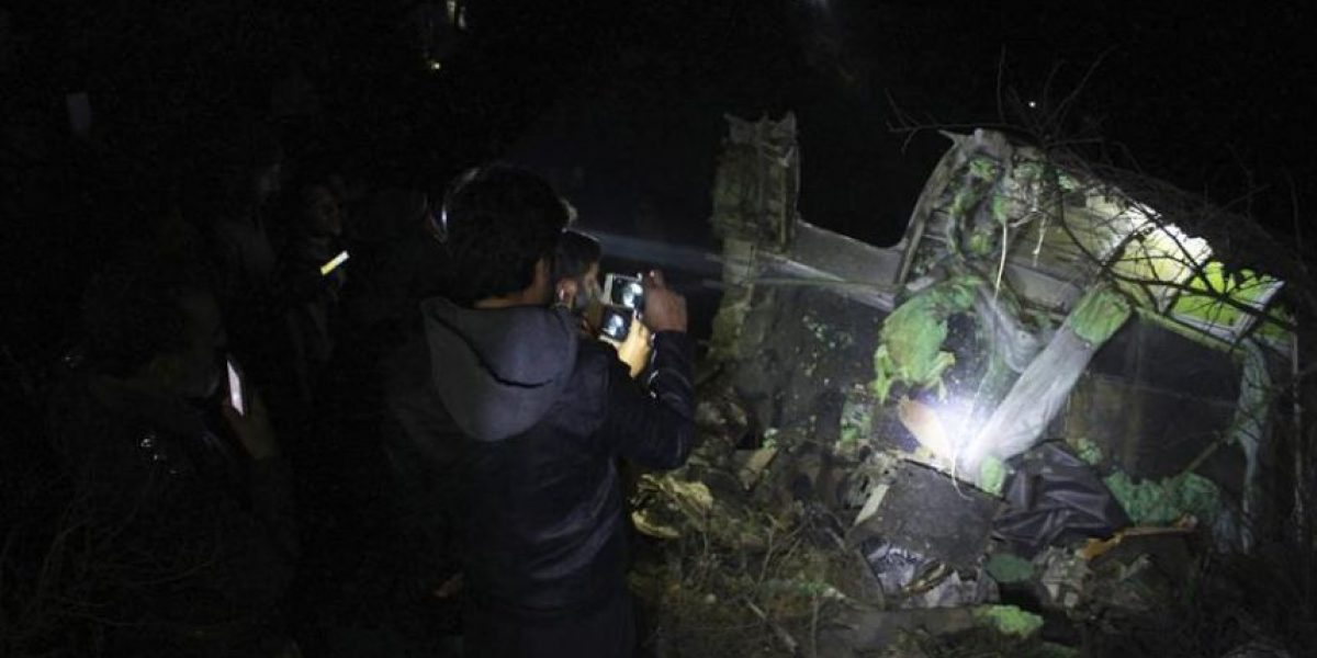Confirman la muerte de los 48 pasajeros de avión estrellado en Pakistán