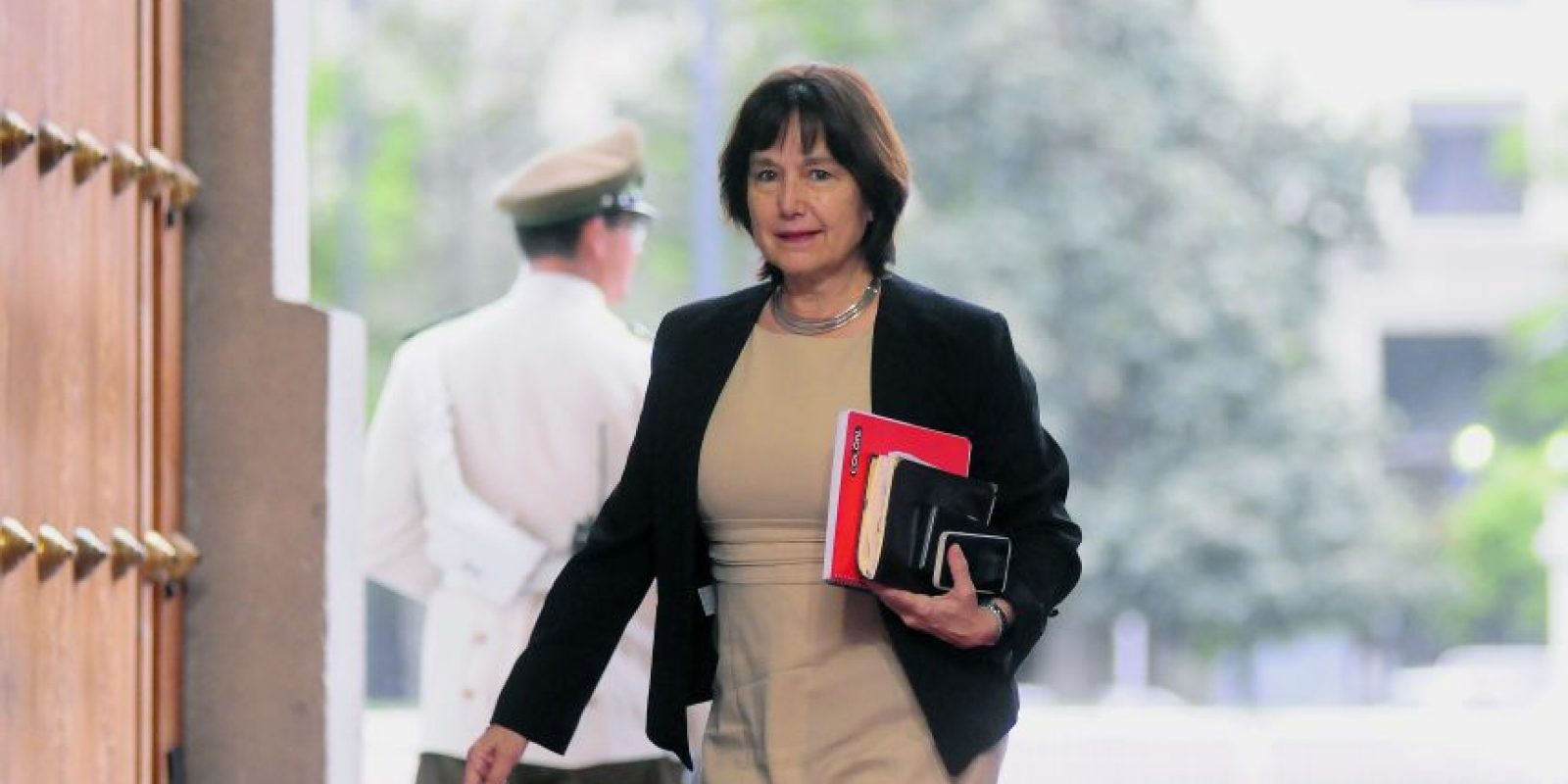 """Sin embargo, la Ministra de salud, Carmen Castillo, dijo a Publimetro que los hospitales """"no estarán el 11 de marzo de 2018, sino después"""". Foto:Agencia Uno. Imagen Por:"""