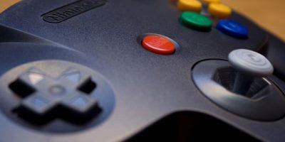 Existen controles retro con puerto USB de casi todas las consolas. En el Paseo Las Palmas o el Eurocentro puedes encontrar versiones de Snes, Nintendo 64 y Playstation. Foto:Nintendo. Imagen Por:
